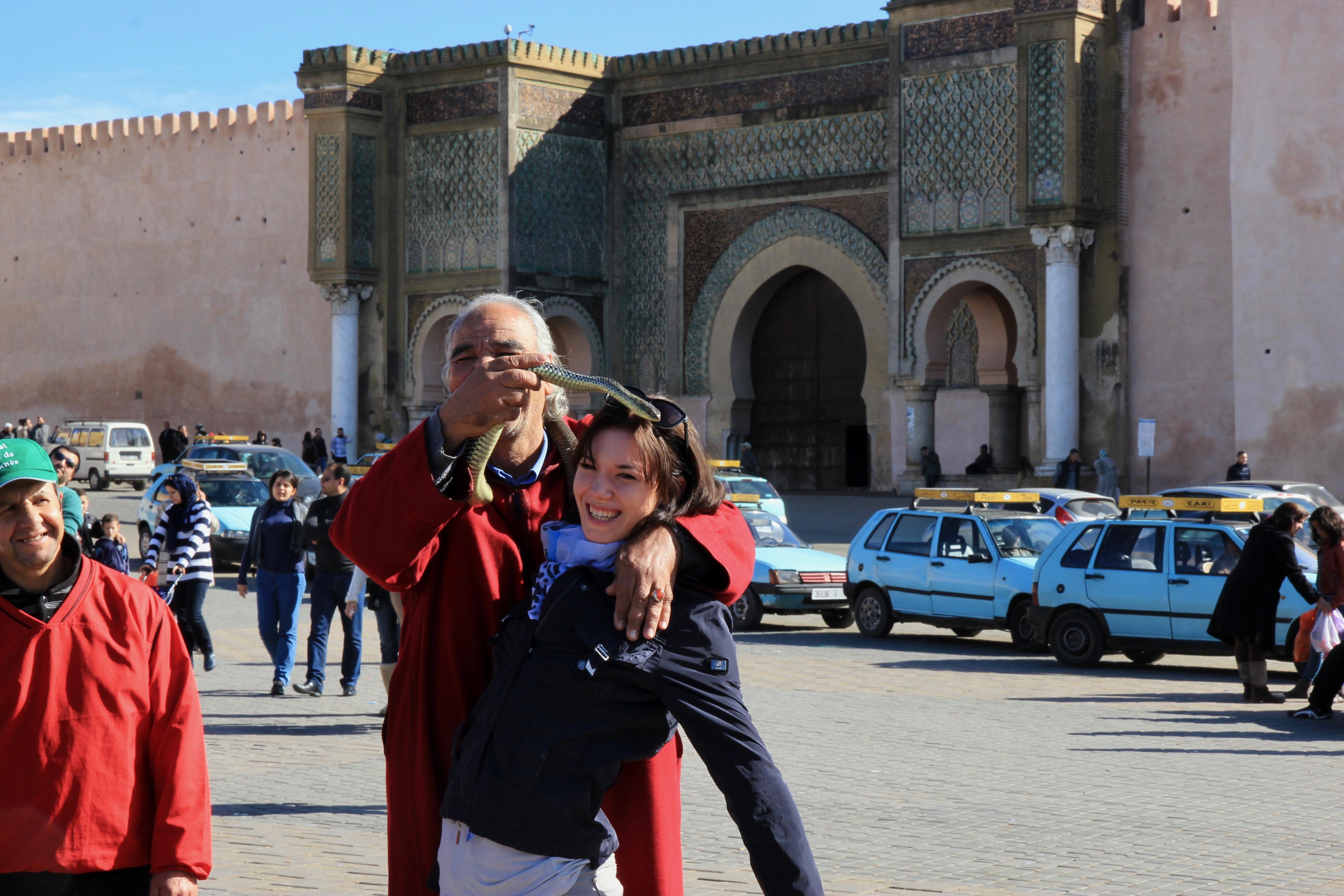 Serpente intorno al collo in Marocco