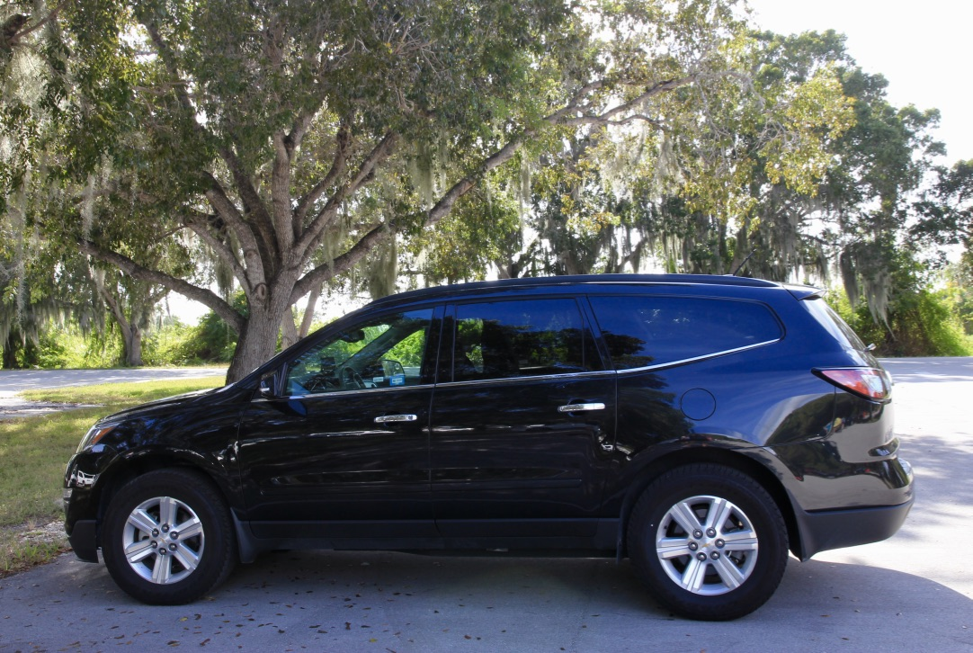 Viaggio on the road in Florida: Chrevolet Suv
