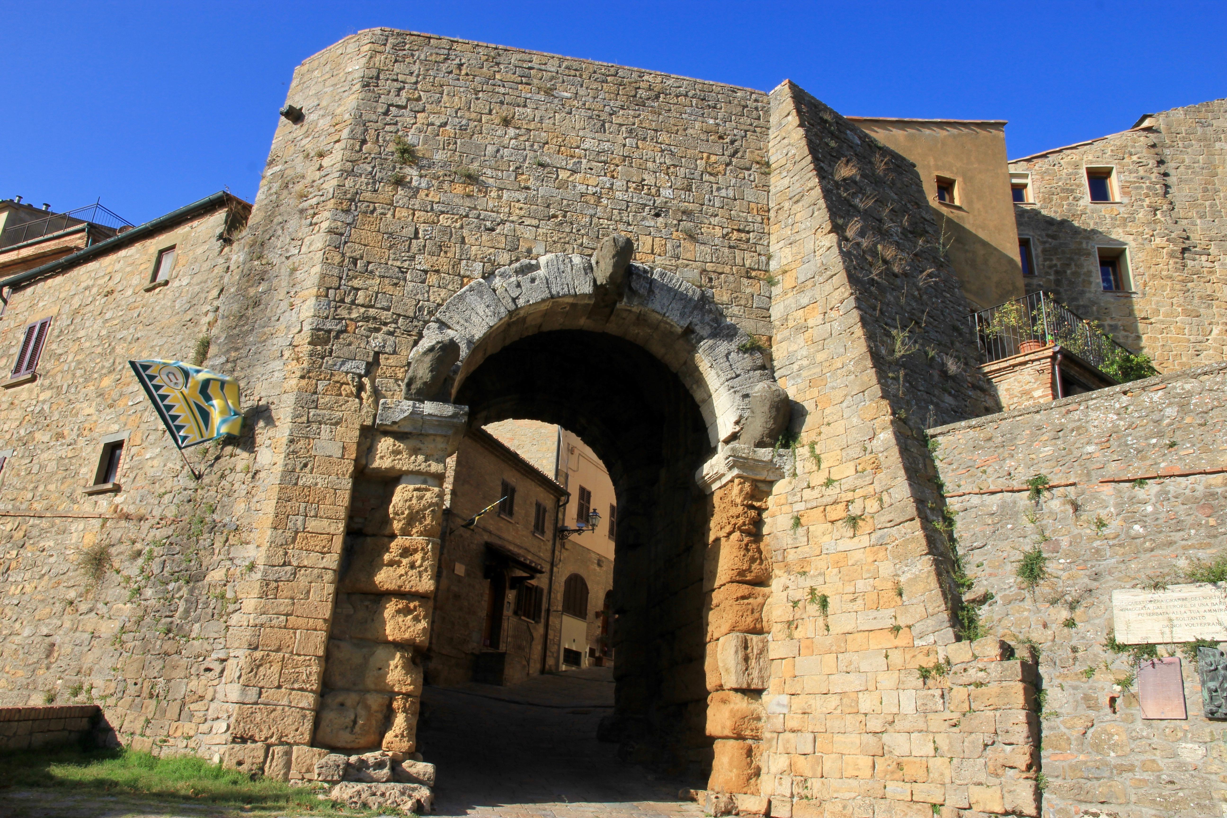 Volterra, porta etrusca