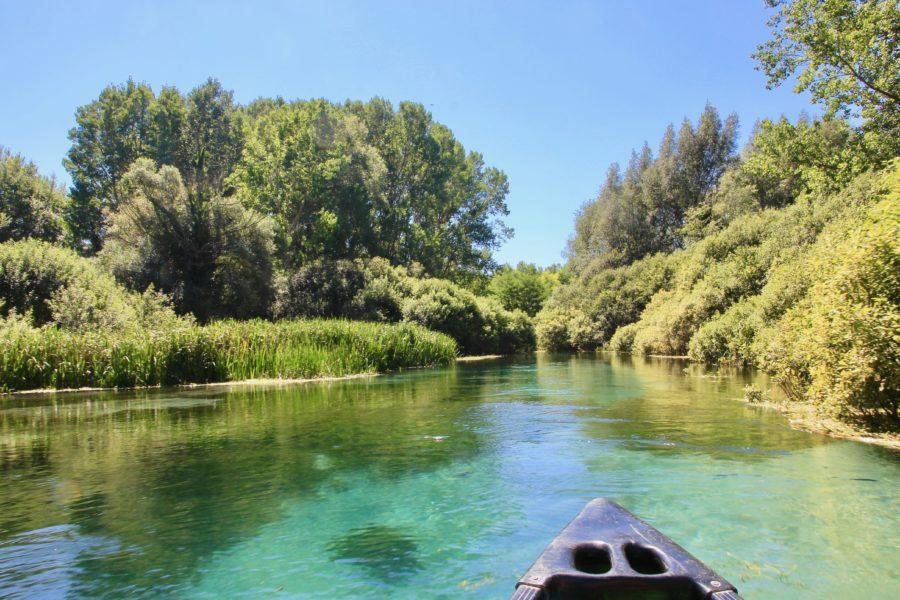 In canoa lungo il fiume Tirino