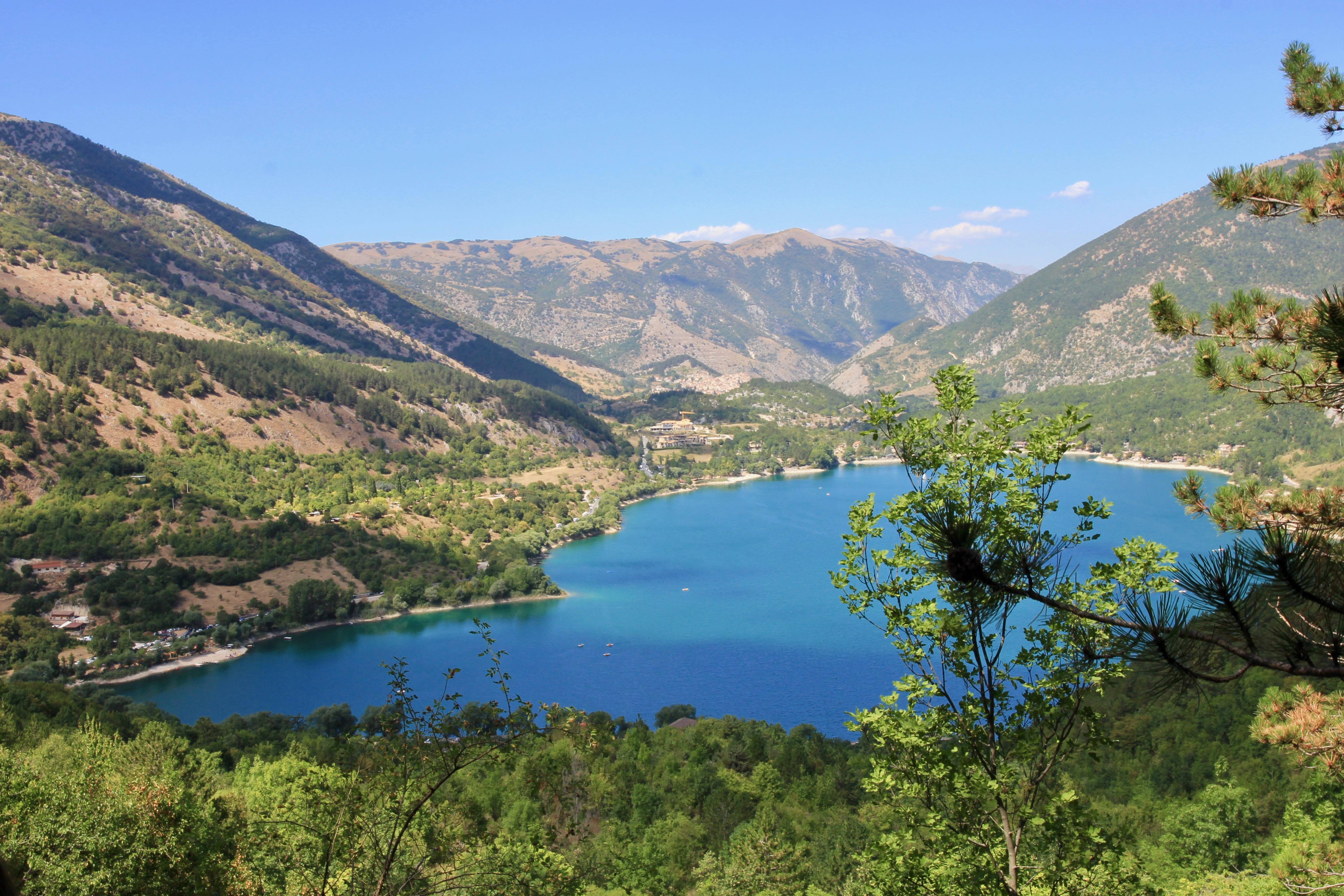 Lago di Scanno in Abruzzo