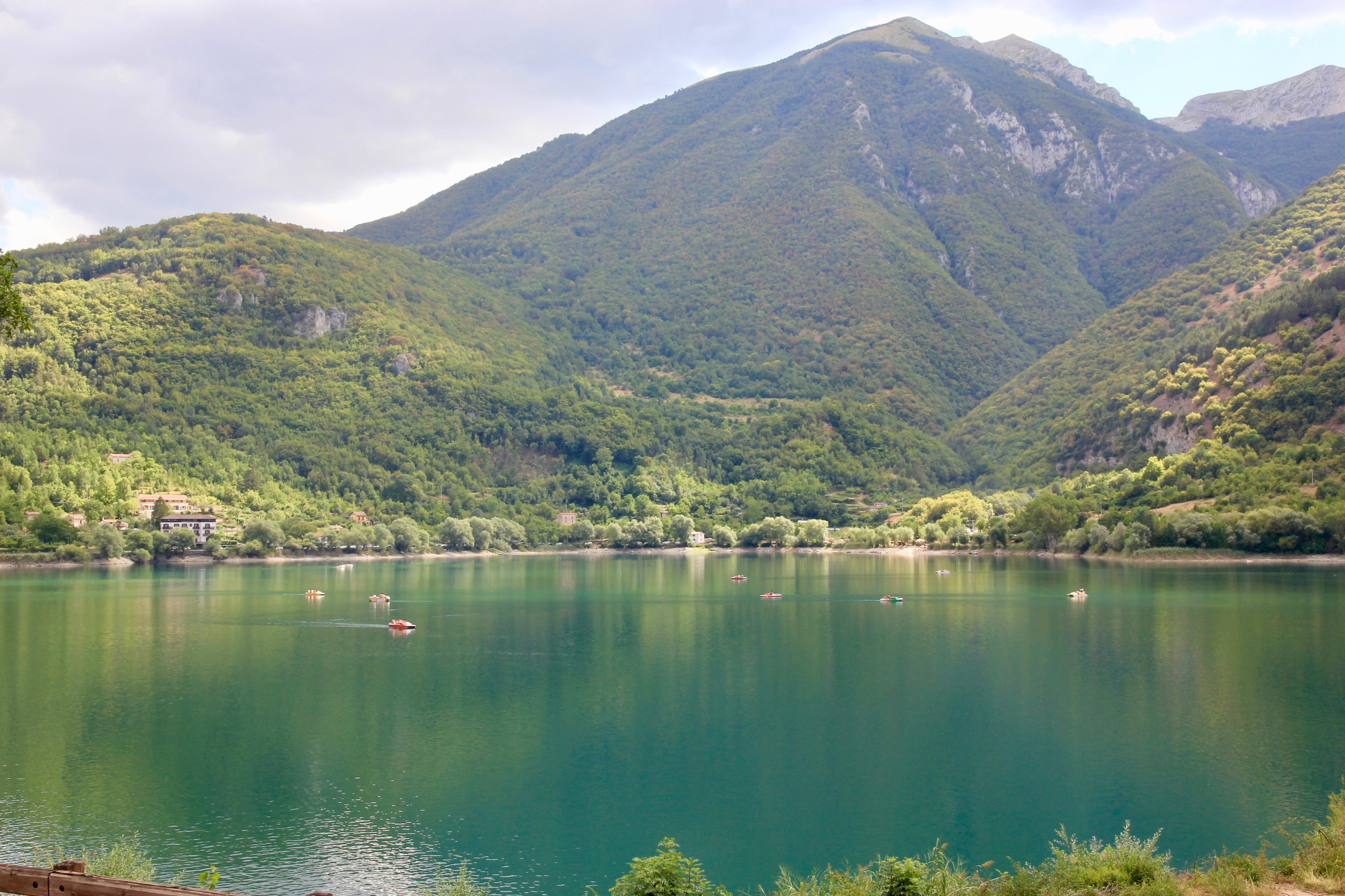 Lago a forma di cuore, Abruzzo